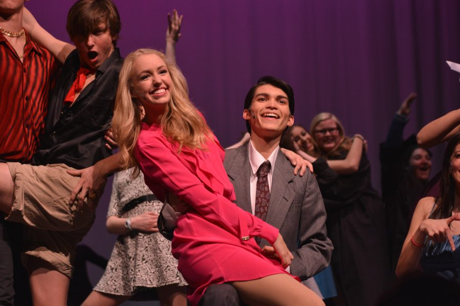 'Legally Blonde' sells out, wins rave reviews